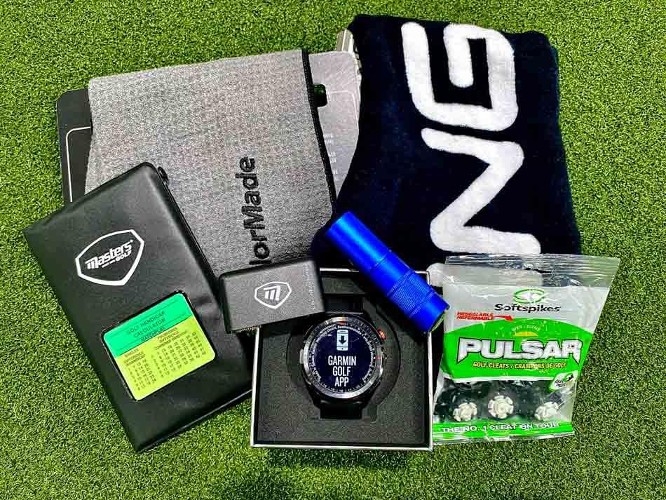 6 Essential Golfing Accessories